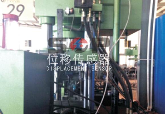 拉绳位移传感器用于液压设备