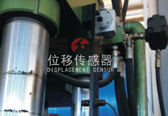 拉绳位移传感器用于液压系统